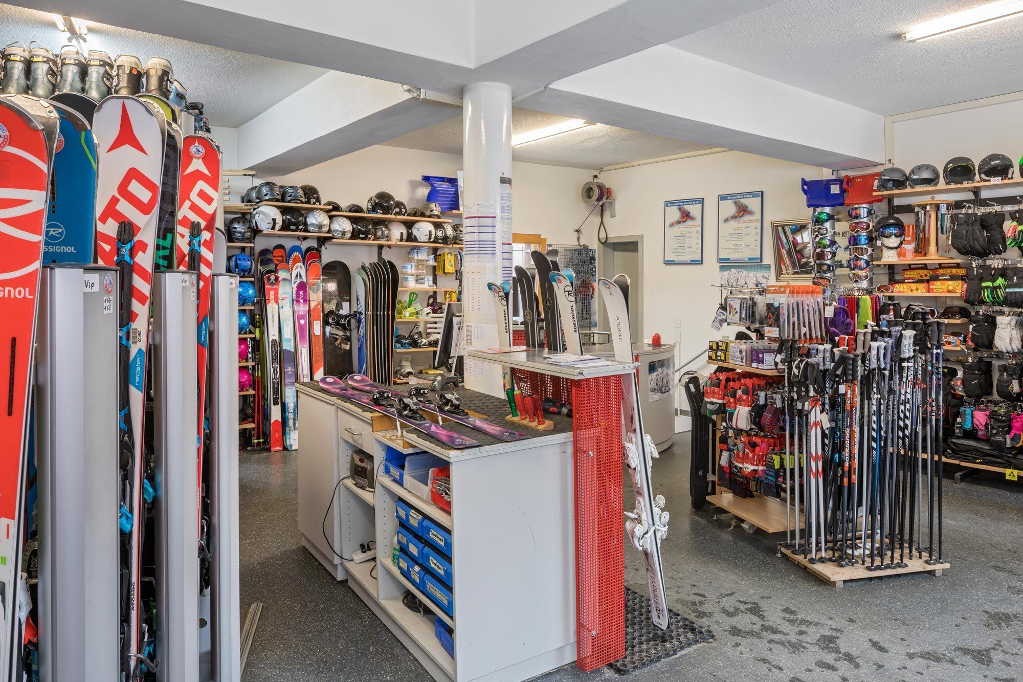 Kletterausrüstung Zermatt : Sportgeschäft zermatt: ski snowboards bergsportartikel bike shop